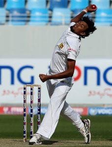 لکمل نے پاکستان کے خلاف گزشتہ سیریز میں تین میچز میں 12 وکٹیں لی تھیں، ان کی غیر موجودگی سری لنکا کو بہت زیادہ محسوس ہوگی (تصویر: Getty Images)