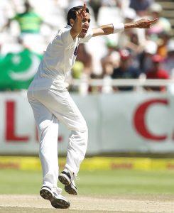 عمر گل نے آخری ٹیسٹ فروری 2013ء میں کھیلا تھا، اس کے بعد سے گھٹنے کی تکلیف کا شکار ہیں (تصویر: Getty Images)