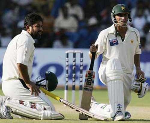یونس خان کو سابق کپتان انضمام الحق کا قومی ریکارڈ برابر کرنے کے لیے ایک ٹیسٹ سنچری درکار ہے (تصویر: AFP)