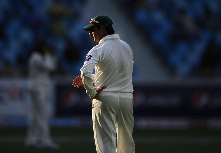 ایک حادثے کی وجہ سے سعید اجمل کے بازو میں قدرتی خم ہے، پاکستان پچھلی بار کی طرح اس مرتبہ بھی اسی دلیل کو استعمال کرے گا (تصویر: AP)