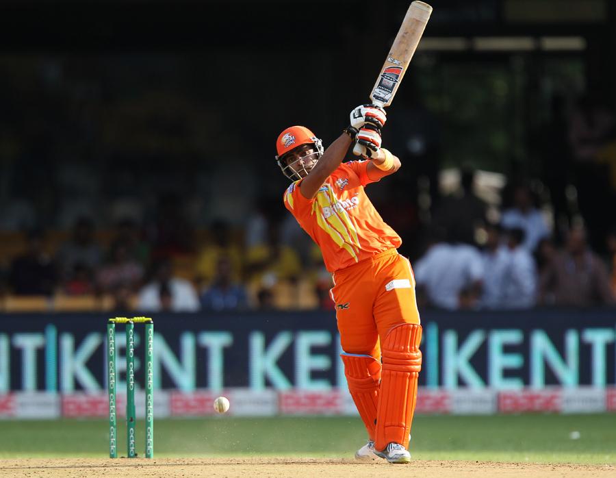 عمر اکمل نے 45 گیندوں پر 73 رنز کی شاندار اننگز کھیلی اور میچ کے بہترین کھلاڑی قرار پائے (تصویر: BCCI)