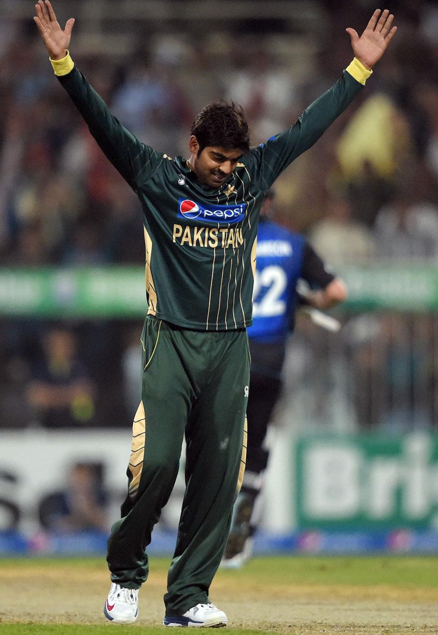 اگر شاہد آفریدی کی فارم برقرار رہی اور حارث سہیل بھی ورلڈ کپ میں شامل ہوئے تو پاکستان کا لوئر مڈل آرڈر بہت مضبوط ہوسکتا ہے (تصویر: AFP)