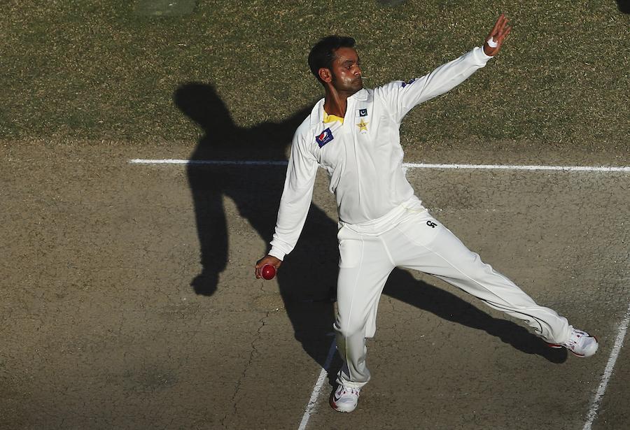 محمد حفیظ سعید اجمل کے بعد دوسرے اہم ترین پاکستانی باؤلر ہیں جن کے ایکشن کو غیر قانونی قرار دیا گیا ہے (تصویر: AFP)