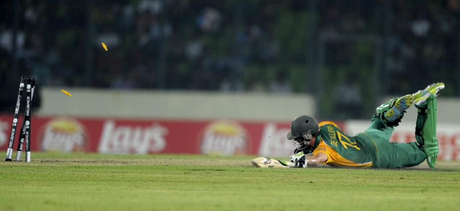 گزشتہ عالمی کپ کے کوارٹر فائنل میں ڈی ولیئرز کا رن آؤٹ فیصلہ کن موڑ ثابت ہوا تھا اور جنوبی افریقہ شکست کھا گیا تھا، اب کپتان کی حیثیت سے ڈی ولیئرز اس غلطی کو مٹانا چاہتے ہیں (تصویر: AFP)