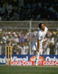 عبدالقادر نے گیندبازی کے بجائے بلے بازی سے پاکستان کی تاریخ کی یادگار فتوحات میں سے ایک دلائی (تصویر: Getty Images)