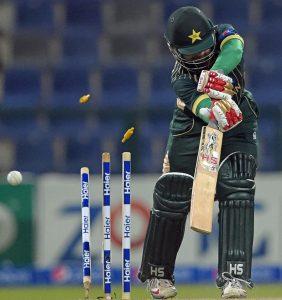 پاکستان کے لیے سال کا مایوس کن ترین لمحہ نیوزی لینڈ جیسے کمزور حریف کے خلاف ون ڈے سیریز میں ناکامی تھا، جس نے عالمی کپ کی تیاریوں کو تہس نہس کردیا (تصویر: AFP)