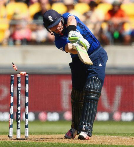 انگلستان کی آخری 7 وکٹیں صرف 19 رنز کے اضافے سے گریں (تصویر: Getty Images)