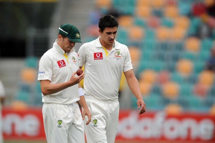 اگر کھیل کا توازن بگڑنے دیا گیا تو کرکٹ کے مستقبل کو خطرہ لاحق ہوگا: سابق جنوبی افریقی بلے باز (تصویر: AAP)