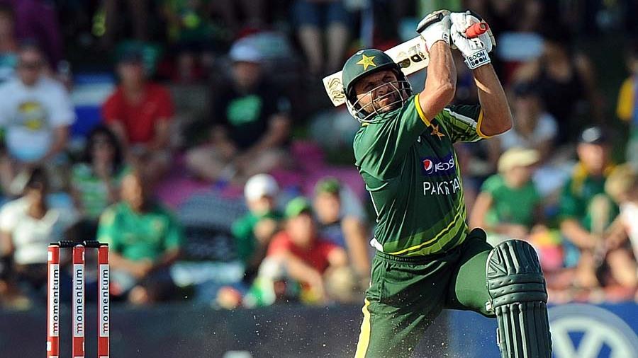 نئے قوانین کے بعد کھیلے گئے 294 مقابلوں میں 2181 چھکے لگ چکے ہیں جبکہ اوسط رن ریٹ بھی 5.20 ہے (تصویر: AFP)