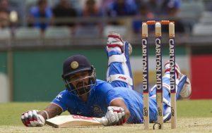 بلے بازی کے لیے سازگار گھریلو وکٹوں پر کھیلنے کے بعد جب بھارتی کھلاڑی بیرون ملک پہنچتے ہیں تو نامانوس ماحول پاکر ناکام ہوجاتے ہیں (تصویر: Getty Images)