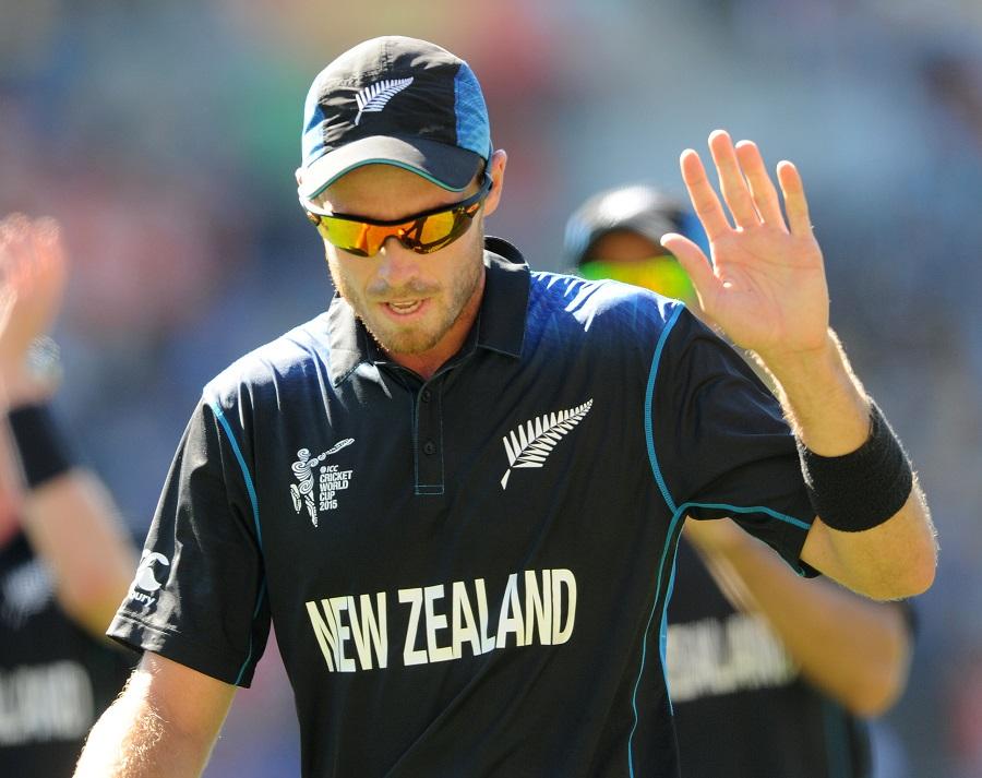 ٹم ساؤتھی کسی ایک روزہ میں 7 وکٹیں حاصل کرنے والے نیوزی لینڈ کے پہلے باؤلر بنے (تصویر: AP)