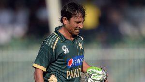 اگر یونس خان بھارت کے خلاف بھی ناکام ہوئے تو وقار یونس بھی ان کا دفاع نہیں کرسکیں گے (تصویر: AFP)