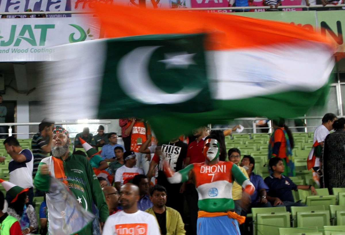 pakistan-india-cricket-fans