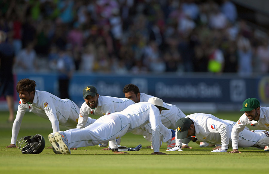 team-pakistan-at-lords-2016