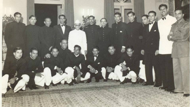 Pakistani-team-at-Reception-in-Lucknow-1952