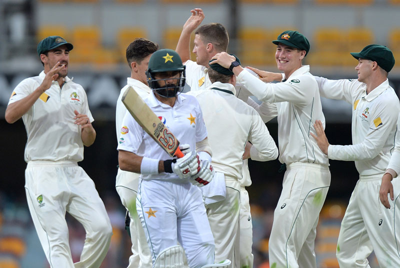 misbah-ul-haq-pakistan-test-out